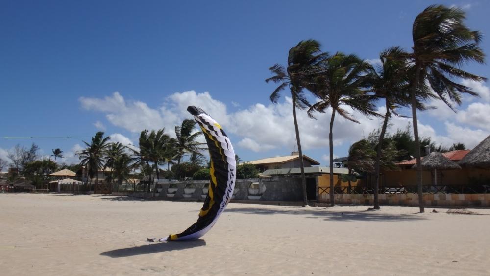 6 kitesurfing lessons vietnam- kitesurfing Brasil otra vez la Speed 4 Flysurfer deluxe